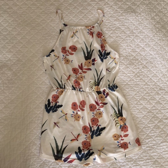 Floral romper. Size S. True to size.
